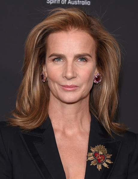 The mid-long brushed haircut by Rachel Griffiths